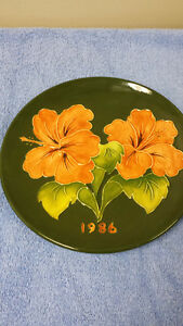 Moorcroft Collector's Plate - 1986 - LIMITED EDITION