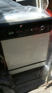DISHWAHERS IN EXCELLENT CONDITION,BEST CASH OFFER TODAY! OBO