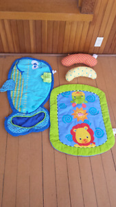 2 tummy matts and 2 pillows + FREE TOYS BOX