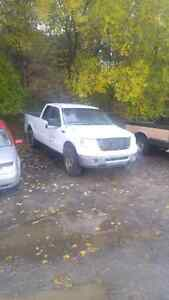 parting out 2007 Ford F150 all body parts in decent condition mo