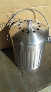 Kitchen 4.5L SS compost can (with carbon filter) $10