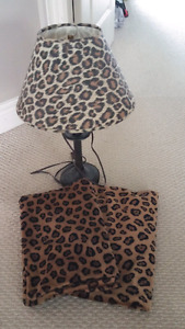 Cheetah print lamp and pillowcases