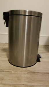 Stainless Steel Step Can, 12-L