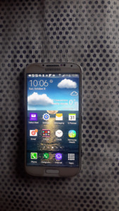 Samsung GalaxyS4 locked to Bell, Excellent condition