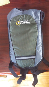 Bass and Pro Eclipse 1.5l Hydration Pack
