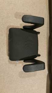 Clek Ozzie Booster Seat with Security Latch