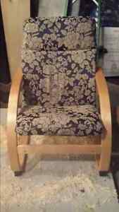 Chaise (75$chacune )
