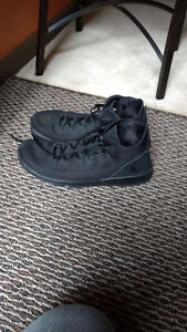 Excellent condition Jordan shoes and Lebron James London Ontario image 1
