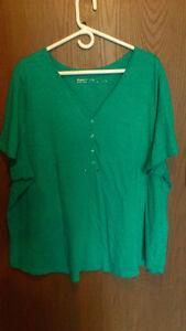 Women's T-Shirt and Camisole - Size 3X Kitchener / Waterloo Kitchener Area image 1
