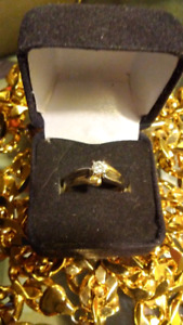 Diamond ring.30ct t.w.
