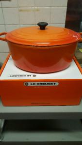 Le Creuset 14.8L oval casserole dish