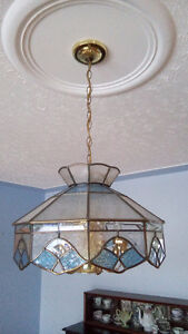 HEAVY ETCHED AND COLOURED GLASS DINING ROOM CHANDELIER