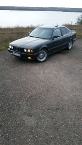 Trade 1989 BMW 525i for boat