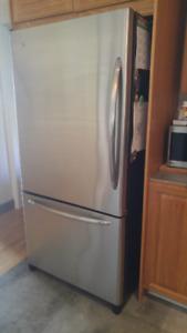 Réfrigérateur - four - lave-vaiselle