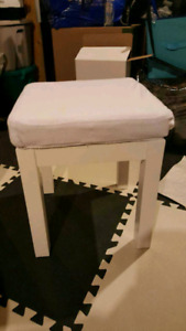 Bathroom Stool White faux leather with cover