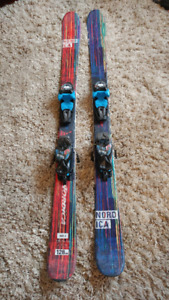 Kids/junior Nordica Ace junior twin tip freestyle downhill skis