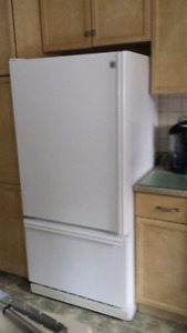 GE Bottom Mount Fridge