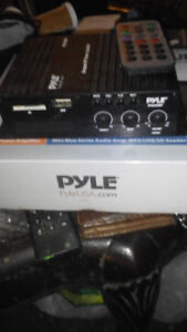 Pyle 120 watt Bluetooth stereo amplifier with microphone jack