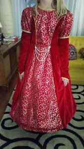 Red ballroom gown size 8/10 London Ontario image 3