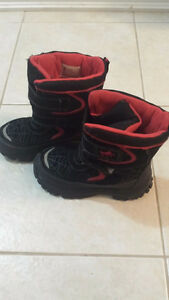 Spiderman Snow Boots Size 13(kid Size) Good Condition FOR SALE