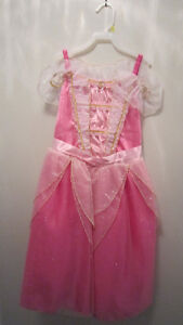 New with tags Disney Store Aurora Sleeping Beauty Costume size 8
