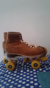 Brown Suede Retro Roller Skates - Size 7 mens or 8/9 womens