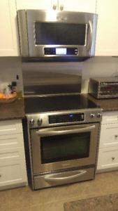 "KitchenAid 30"" Electric Stove + Microwave Range Hood"