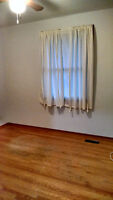 1 Room Available and Basement Apartment at 326 Edinburgh Rd.S
