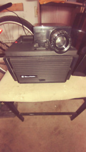 Bell & Howell Slide Cube Projector AF 70 Auto Focus