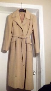 CLEARANCE Women's 100% Camel Hair Coat with a belt new in $1000s