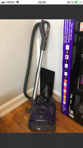 KENMORE VACUUM CLEANER (Allergy and Hairs of pet).