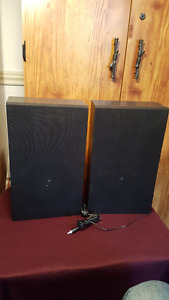 Speakers Wood Black 141/2 x 8 1/2 x 4    $10