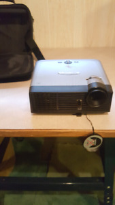 Optoma Projector DX605