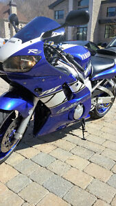 Yamaha R-6 Champion Edition