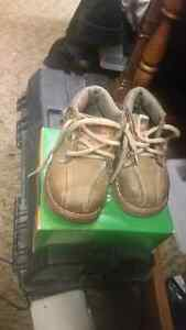 Size 4w boys toddler boots  London Ontario image 2