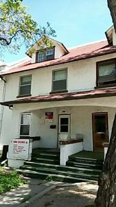 Unfurnished house in downtown for rent