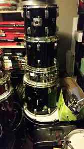 5 piece drumset, perfect for rehearsal space