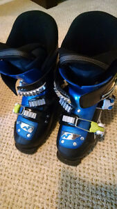 NORDICA SKI BOOTS FIREARROW TEAM 3 SIZE 215 ( BOY SIZE 4 OR 5)
