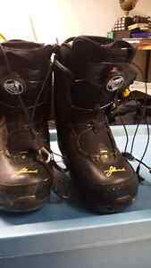 Ladies snow board boots  Edmonton Edmonton Area image 2