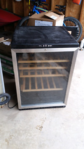 Danby Designer Wine Fridge/Mini Fridge
