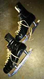 SKATES SIZE 9 FOR SALE CALL 519-673-9819 London Ontario image 1