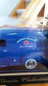 ELMIRA MAPLE SYRUP FESTIVAL SOUVENIR MODEL CAR Kitchener / Waterloo Kitchener Area image 2