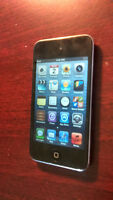 8Gb ipod touch 4th Gen (Excellent working condition)