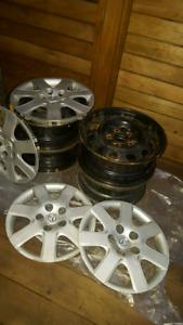 Jantes (Rims) 15 pouces (5x114.3)et enjoliveurs Mazda 3