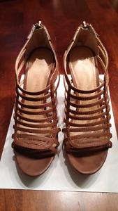 Sandales à talons hauts (6.5) portées 2 ou 3 fois