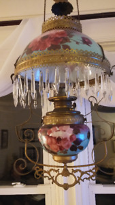 Antique hanging lamp - Mint Condition