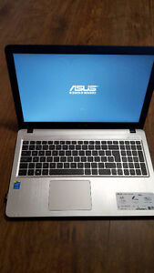 "ASUS 15.6"" Laptop - Black/Gold (Intel Core i5-5200U/1TB HDD/8GB"