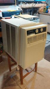 Air climatisé 10000 BTU  de marque Climette - négociable