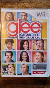 Glee Karaoke Revolution Wii Game