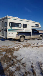 2000 GMC Sierra 2500 with 8 ft. box.